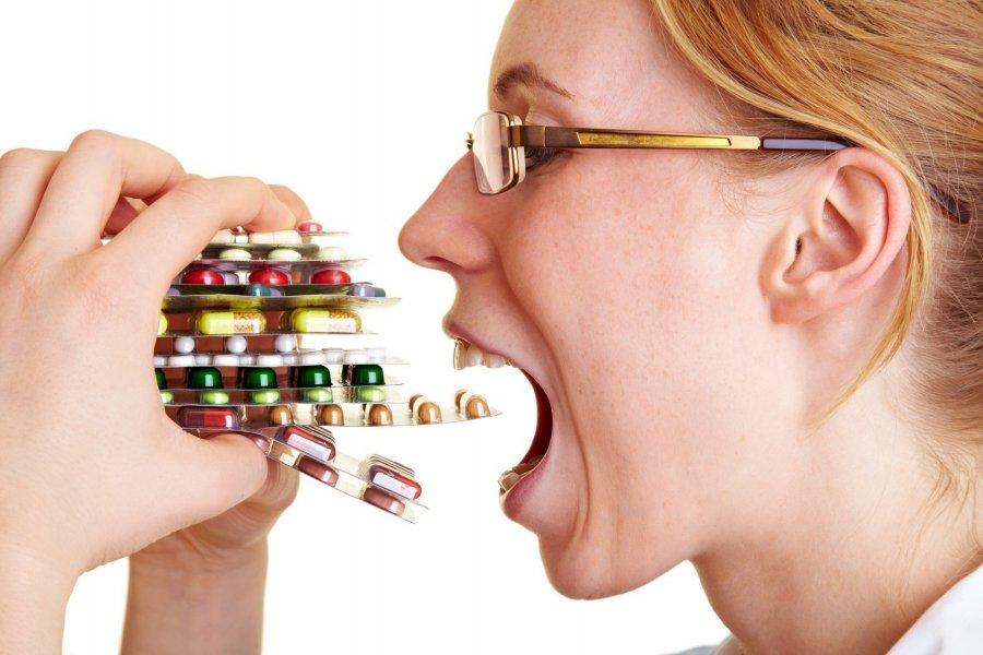самостоятельный прием антибиотиков способствует гарднереллезу